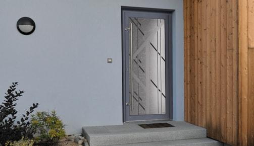 Conseils Tryba pour choisir votre nouvelle porte d'entrée PVC