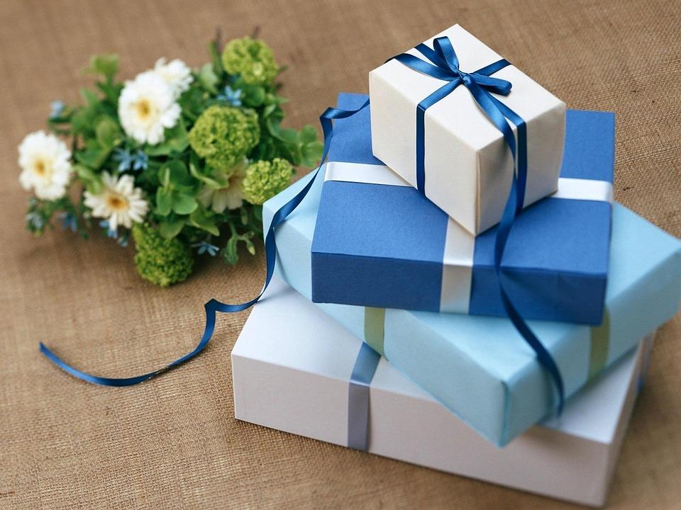 Comment réussir son cadeau quand on se rend à un baptême laïc ?