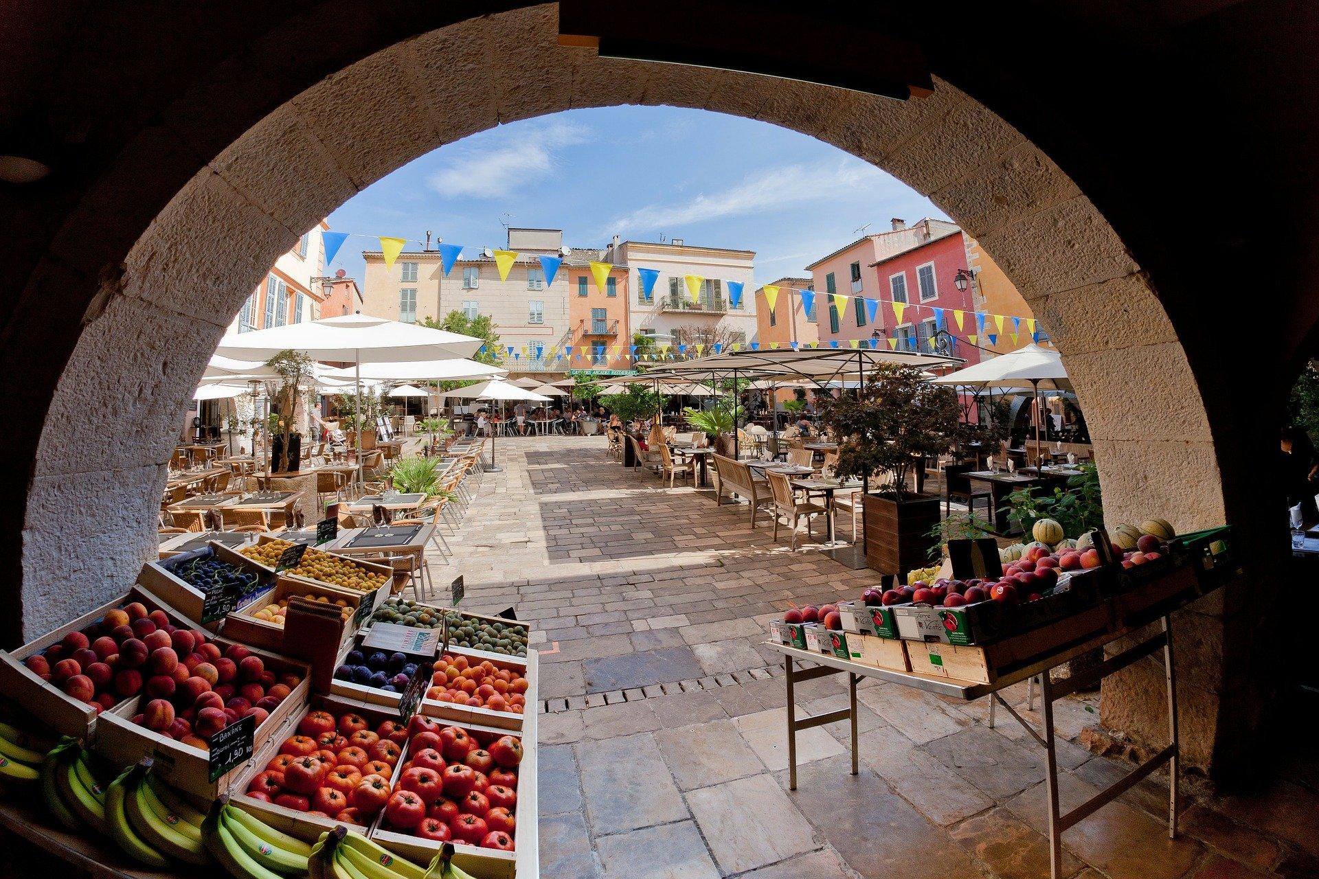 Que voir dans la vieille ville Niçoise?